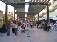 50 The main shopping street in Salou